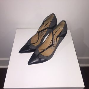 Salvatore Ferragamo Nalia T-Strap Black Grey Pumps